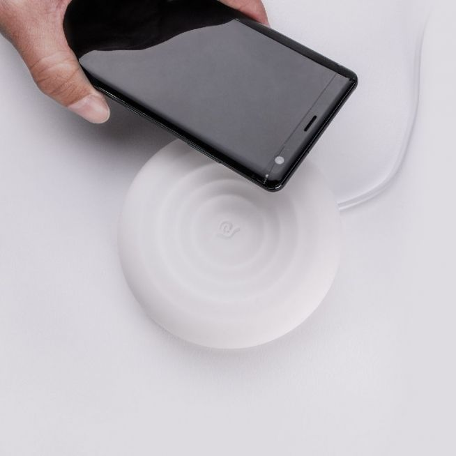 Adam Elements Omnia Q Wireless Charger